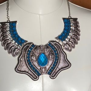Jewelry - NWT STATEMENT NECKLACE W/BLUE BEADS & CRYSTALS